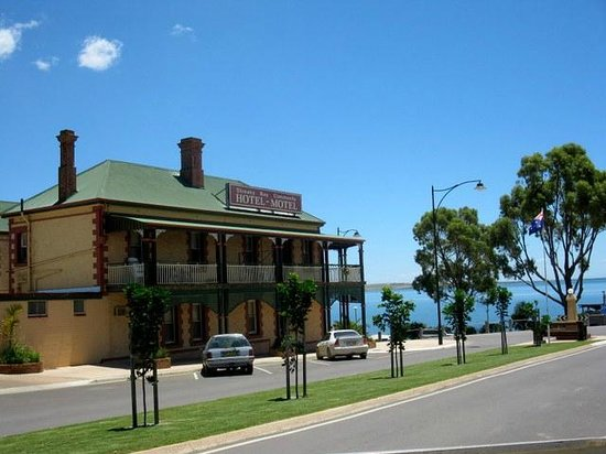 Streaky Bay Hotel - Tourism Gold Coast