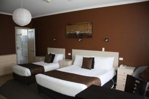 Lakeview Motel and Apartments - Tourism Gold Coast