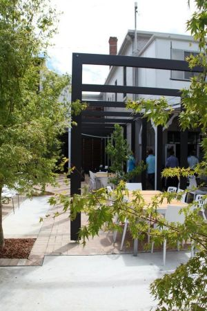 Crossroads Hotel - Tourism Gold Coast