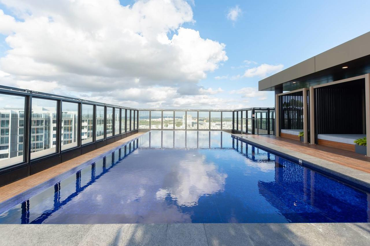 Japanese Style waterfront apt wt rooftop pool - Tourism Gold Coast