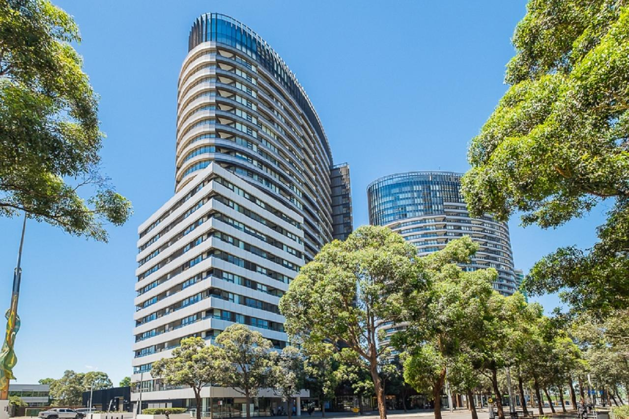 Australian Tower Stay - Tourism Gold Coast