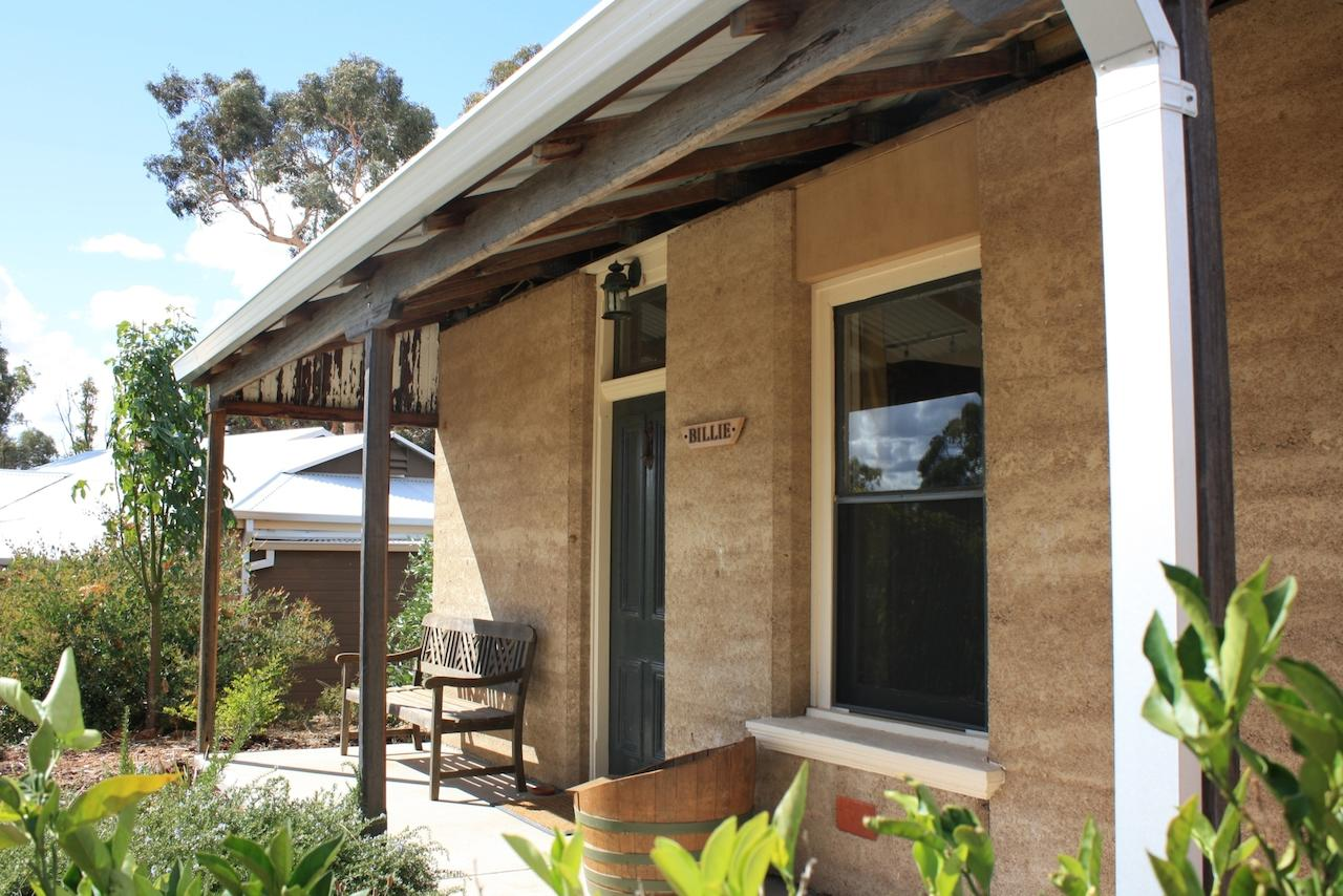 Hotham Ridge Winery and Cottages - Tourism Gold Coast