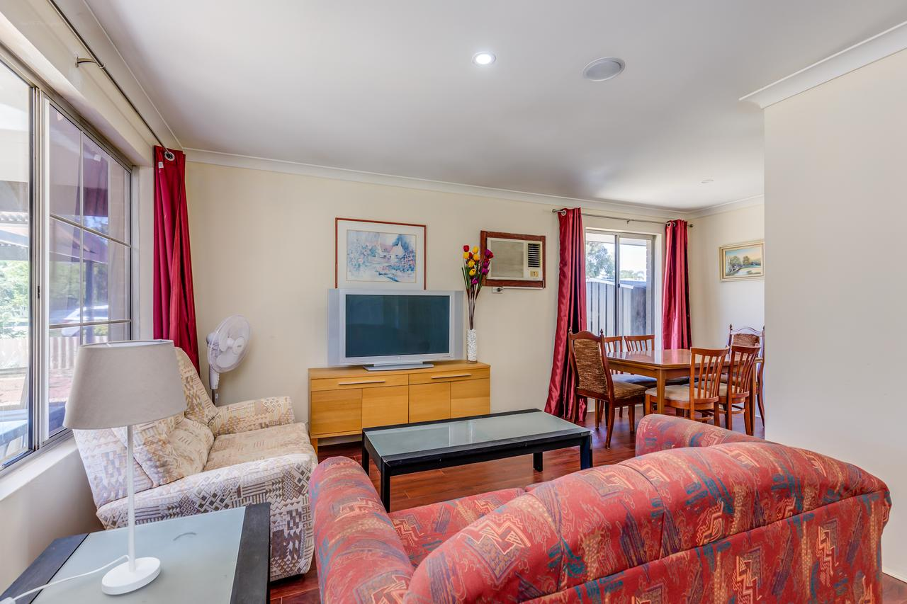 Brilliant neat convenient family-friendly house - Tourism Gold Coast