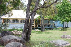 Twisted Gum Vineyard Cottage - Tourism Gold Coast