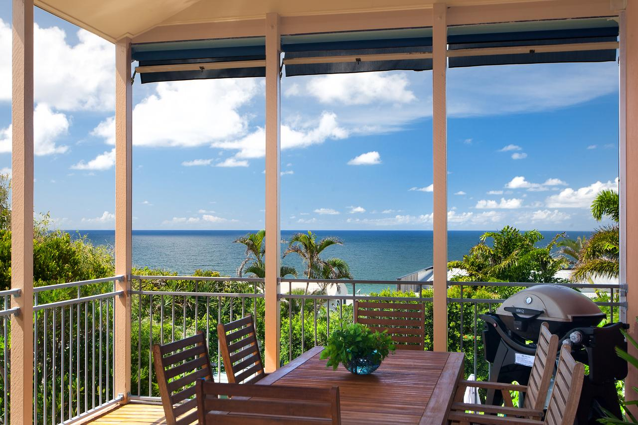 Jolly Roger's Beach House - Tourism Gold Coast