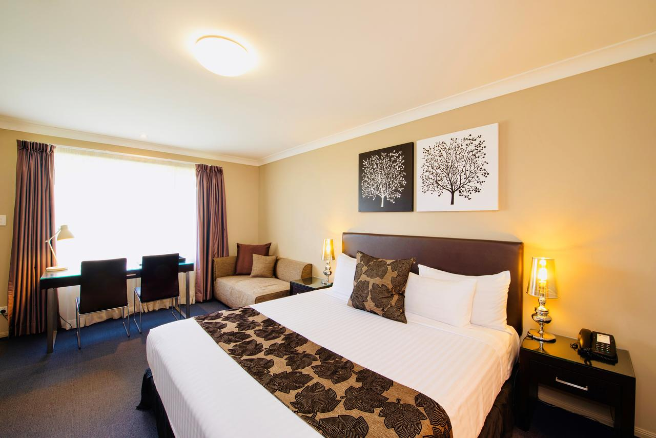 Best Western Plus Ambassador On Ruthven Motor Inn - Tourism Gold Coast