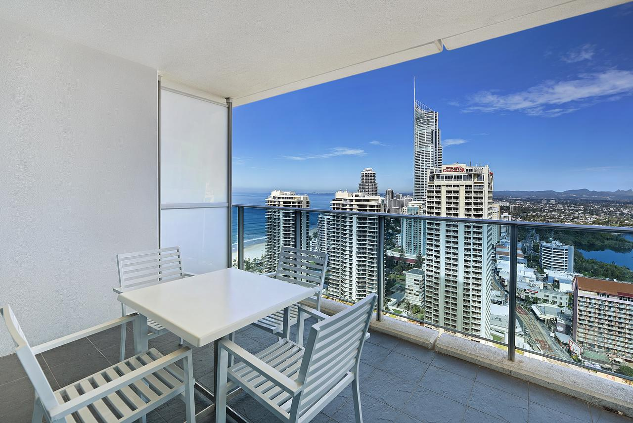 Number 1 H Luxury Residence - Netflix, WiFi + More - Tourism Gold Coast